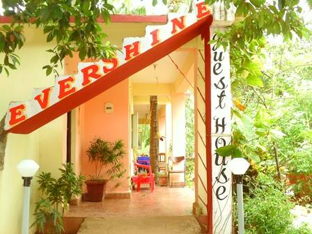 Evershine Guesthouse, Chicolna, India, India hotels and hostels